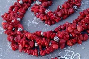 Робота Комплект з натуральних коралів пишне намисто браслет сережки