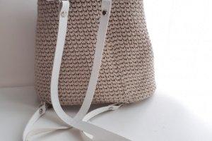 Рюкзак з тисненням на шкірі - Опис