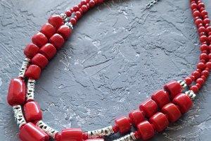 Комплект з натуральними коралами намисто і сережки - Опис