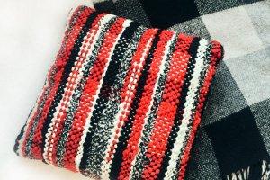 Подушка ткана - Опис