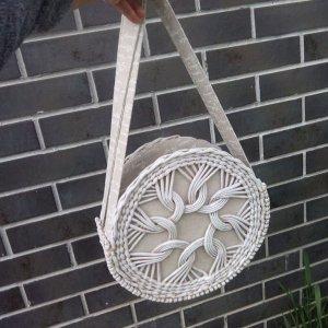 Робота Плетеная сумочка круглой формы диаметр 28см, ширина 10см