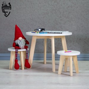 Робота Дитячий набір стіл + 2 стільчика