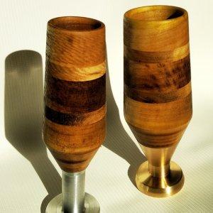 Робота Оригінальний подарунок - келих з металу і дерева