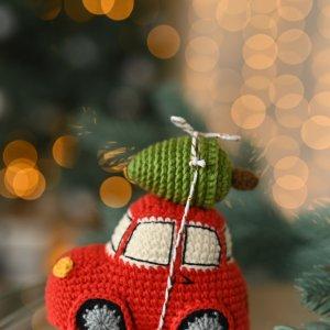 Машинка с елкой