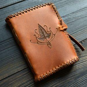 Робота Шкіряний блокнот з ельфійським плющем (коричневий)