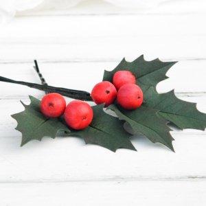 Робота Новорічна шпилька з листям і ягодами / Шпильки новорічні