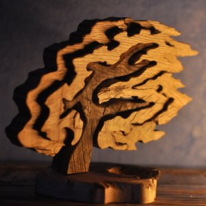 "Робота Дерев'яна статуетка-пазл ""Дерево"""