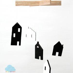 Робота ХАТКИ чорно білий монохромний дерев'яний мобіль