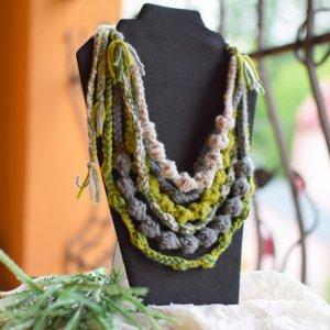 Робота Намисто весняне, пишні буси, етно зелені коралі, подарок