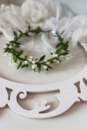 Вінок з маленькими квітами для першого причастя і нареченій.